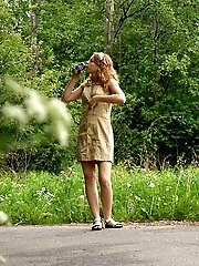 16 pictures - Nude cutie tinkles on the shoulder of country road